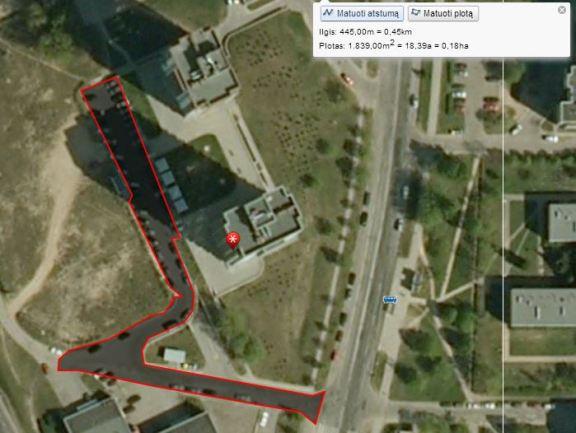 Antžeminio legalaus parkingo plotas be mažytės požeminio parkingo įvažiavimo dalies