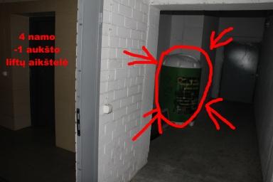 Čia yra 4 namo rūsyje esantis konteineris. Meskite ten elektronikos atliekas ir baterijas (yra atskiras įdėjimas)