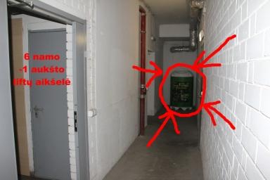 O čia 6'ojo namo konteineris.