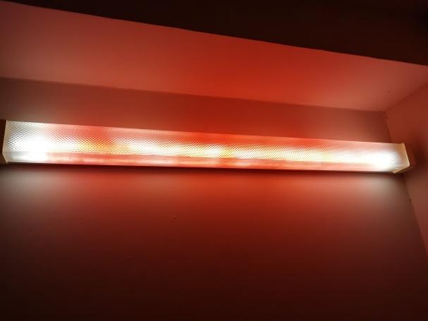 Labai negrabiai nudažyta lempa (nes naktis ir skubėjau). Galima daug tolygiau nudažyti.