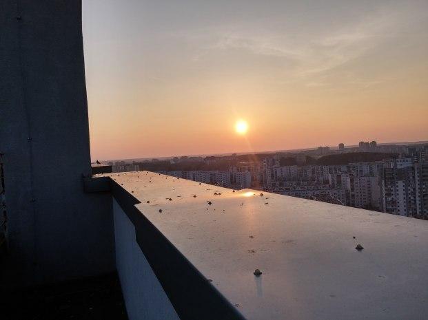 Saulėlydis ant krašto