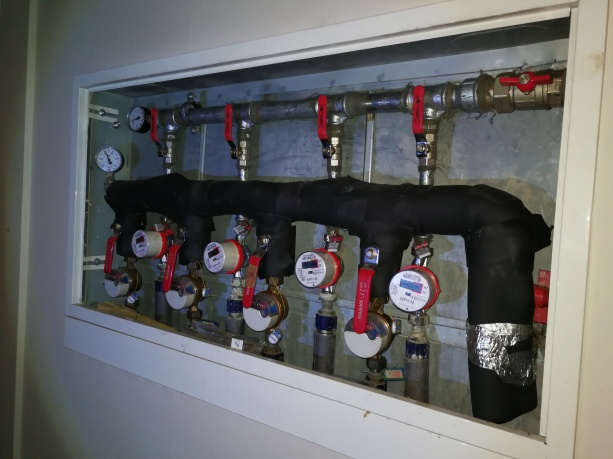 6 namo 9 aukšto karšto vandens kolektoriaus defektas išspręstas
